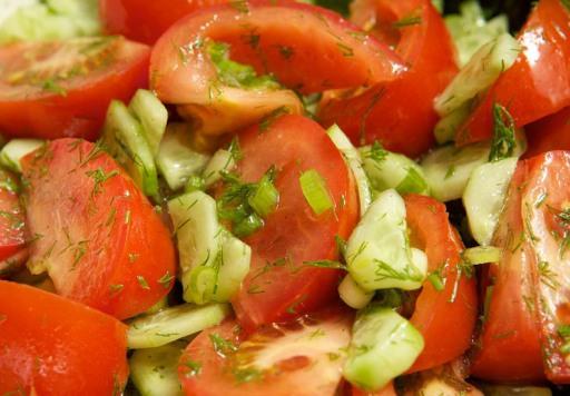 Салаты с помидором и огурцом рецепты с